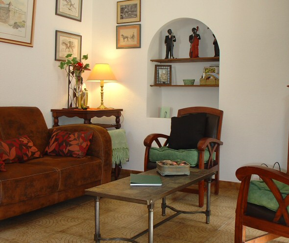 Brittany France holiday accommodation-bretagne-cosy self catering apartment for relaxing holiday