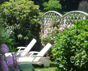 riverside holiday accommodation with private garden